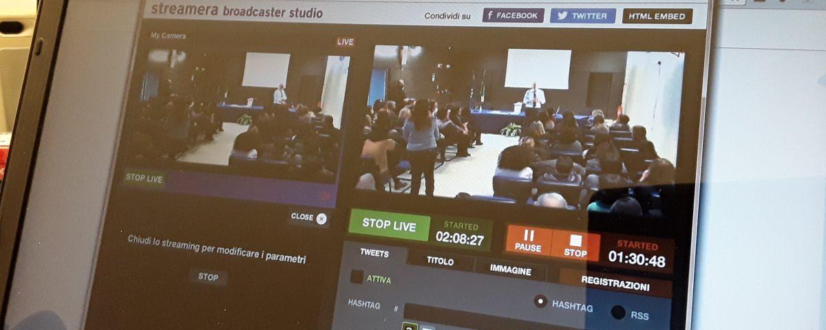 Streamera broadcaster studio
